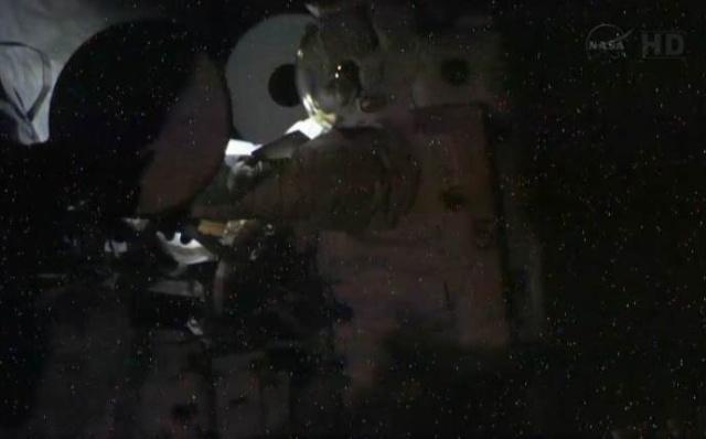 Fuite d'ammoniac à bord de la Station Spatiale Internationale - Segment P6 Eva2210