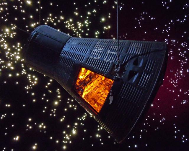 La capsule Mercury - FAITH 7 - au Houston Space Center Faith_10