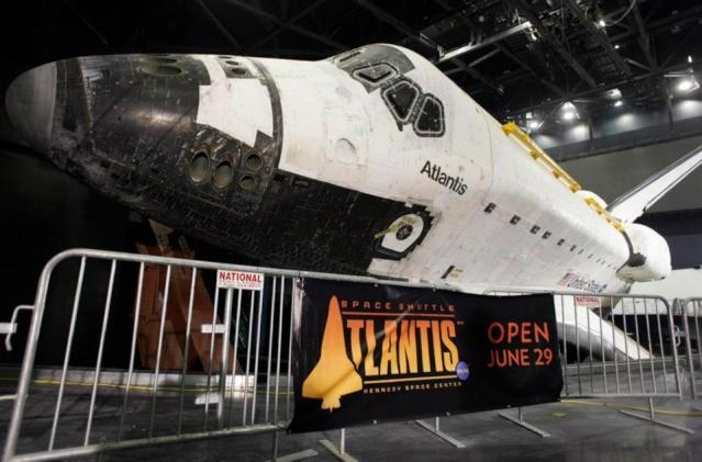 Les navettes spatiales Atlantis et Endeavour au musée Ksc_1a10