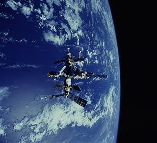 Mission STS-91 / MIR - Dernière mission d'une navette spatiale vers la station MIR Mexqie10