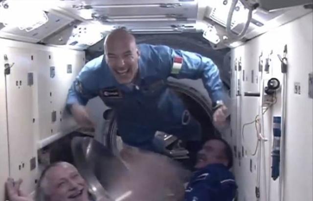 Vol de Luca Parmitano / Expedition 36-37 - VOLARE / Soyouz TMA-9M Parmi010