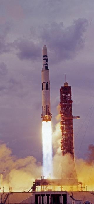 Skylab 1 - La mission - Rares Documents, Photos, et autres ...  Skylab23