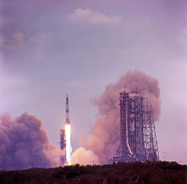 Skylab 1 - La mission - Rares Documents, Photos, et autres ...  Skylab25