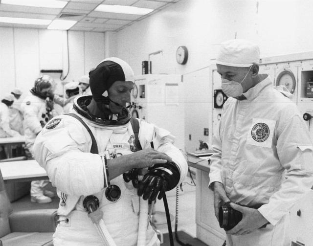 Skylab 2 - La mission - Rares Documents, Photos, et autres ... Skylab36