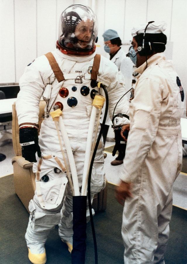 Skylab 2 - La mission - Rares Documents, Photos, et autres ... Skylab38