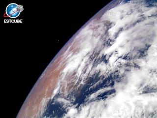 2013 - Emission d'un bloc pour le premier satellite de l'Estonie The_fi10