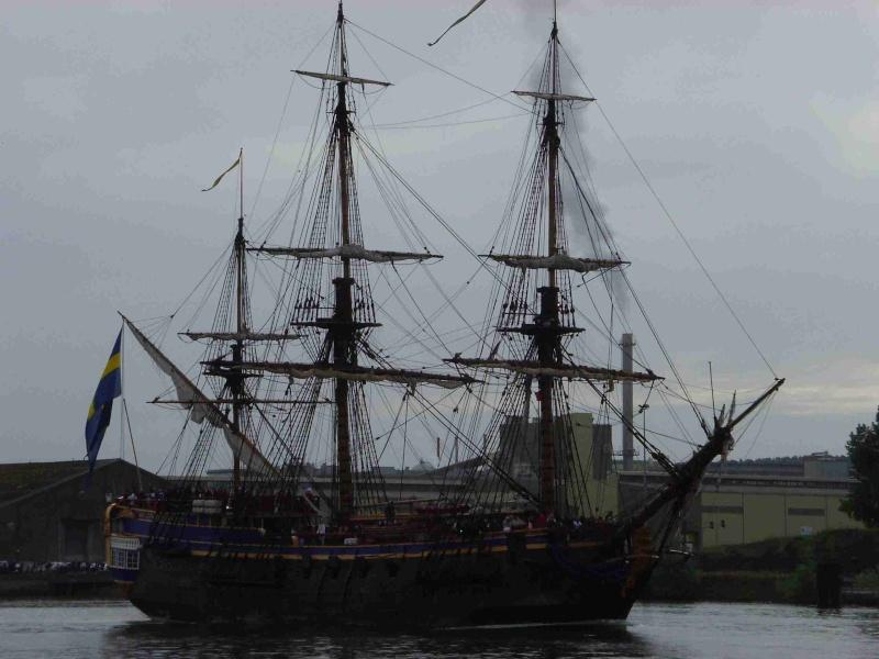 [16 juin 2013] L'Armada : Le départ des bateaux - Page 2 Img_6527