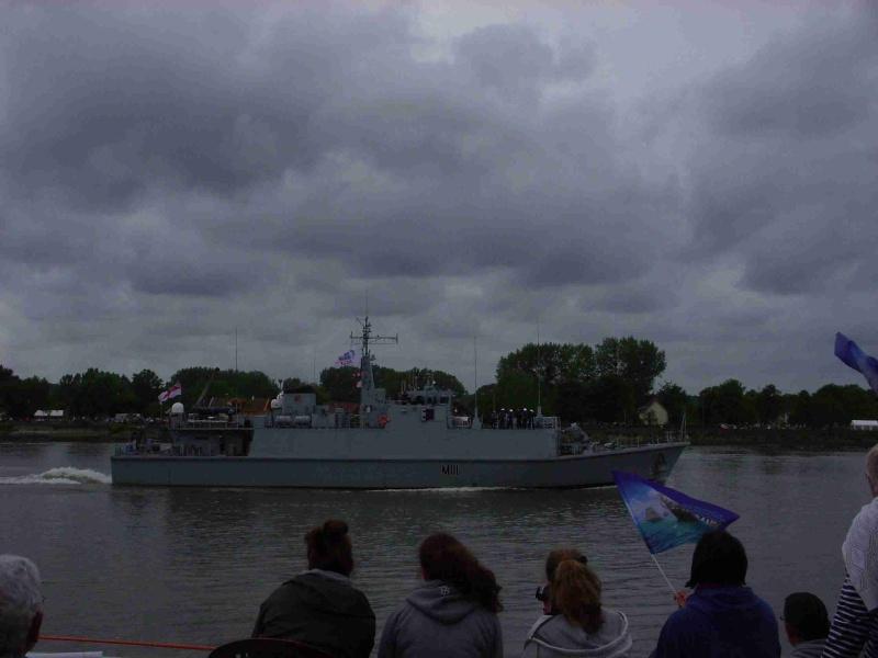 [16 juin 2013] L'Armada : Le départ des bateaux - Page 2 Img_6539