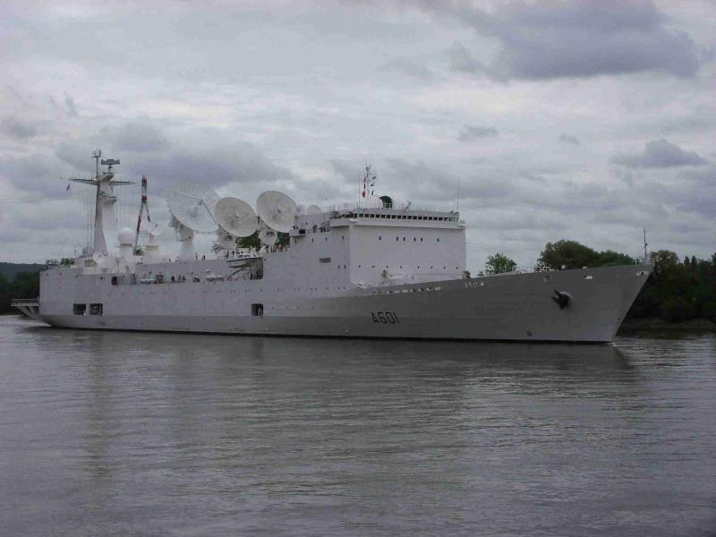[16 juin 2013] L'Armada : Le départ des bateaux - Page 2 Img_6541