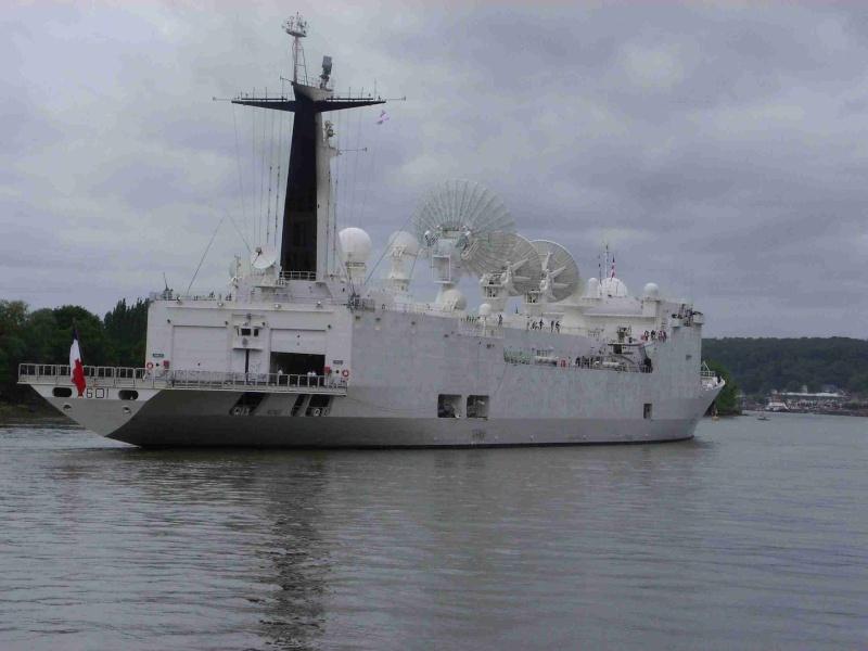 [16 juin 2013] L'Armada : Le départ des bateaux - Page 2 Img_6542