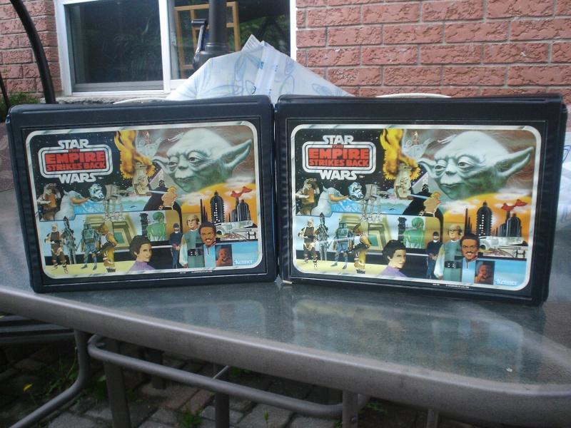 Black figure trays for vinyl minifig cases Dsc06510