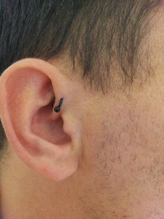 Aie : les Piercing :D 20130610