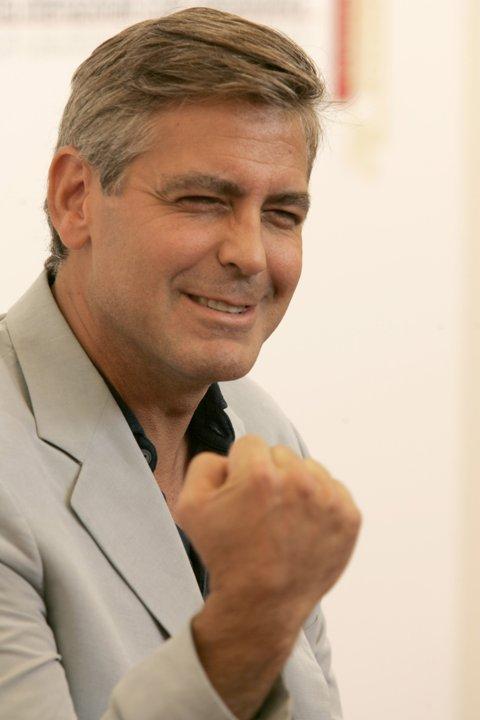 George Clooney George Clooney George Clooney! - Page 3 10960110