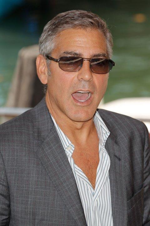 George Clooney George Clooney George Clooney! - Page 3 12311910