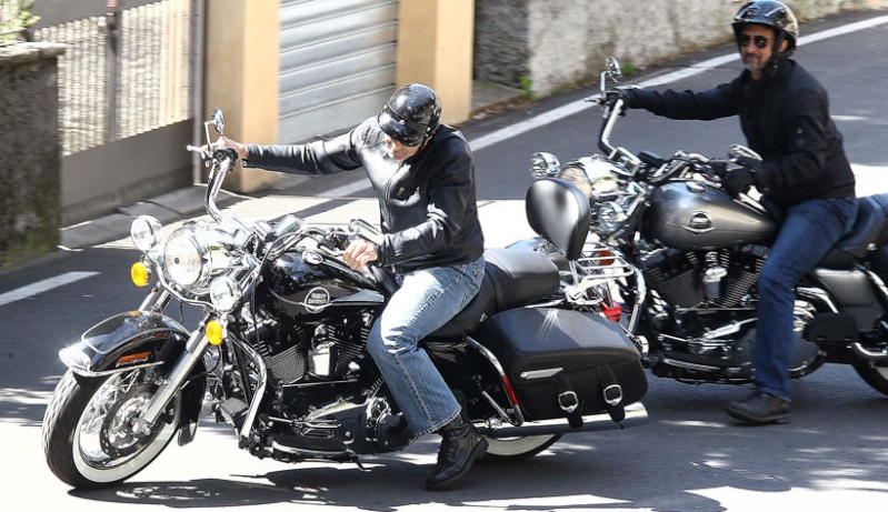 George Clooney goes for a motorbike ride in como Cloone20