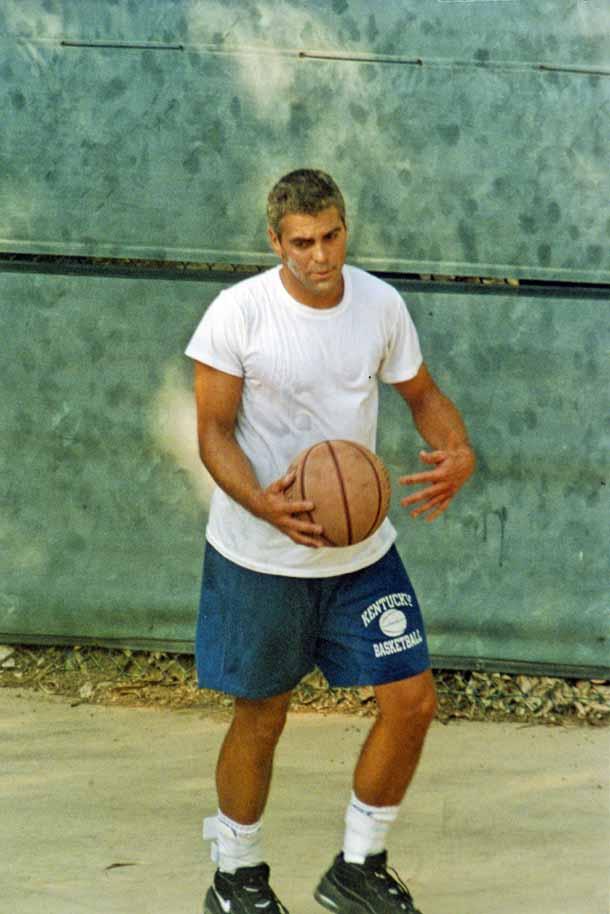 George Clooney George Clooney George Clooney! - Page 5 Milest20