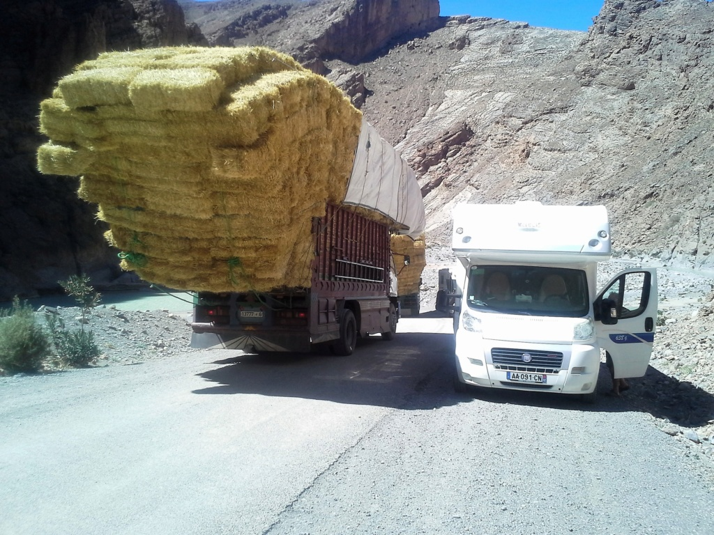 [Carburant, Routes, Police] boucle au  départ de Boulmane du Dadès - Agoudal - tinerhir. 20180315