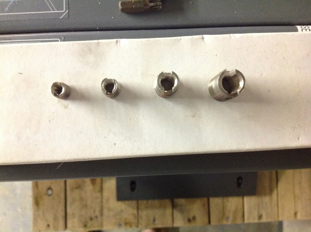vis foirée sur pompe à eau Image203
