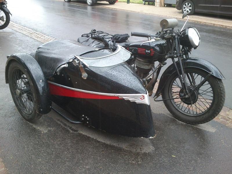 Motos Anciennes rencontrées dans le Cantal (15) Dsc_5737