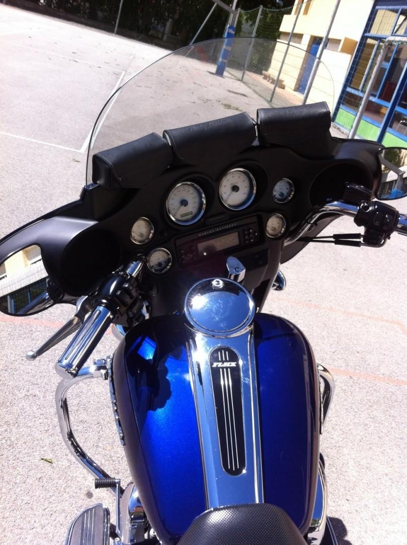 combien de STREET GLIDE  sur le forum Passion-Harley Img_0413