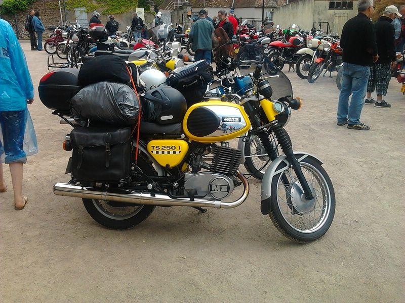 Anniversaire de l'Amicale MZ et motos de l'Est 2013 - Page 11 Photo125