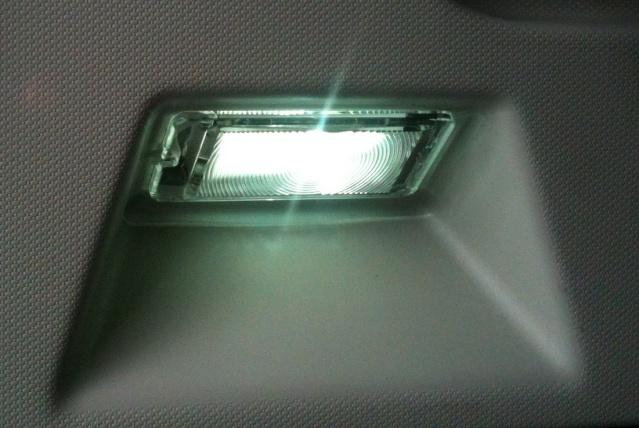 Ampoules bleutées pour l'intérieur Eclair10