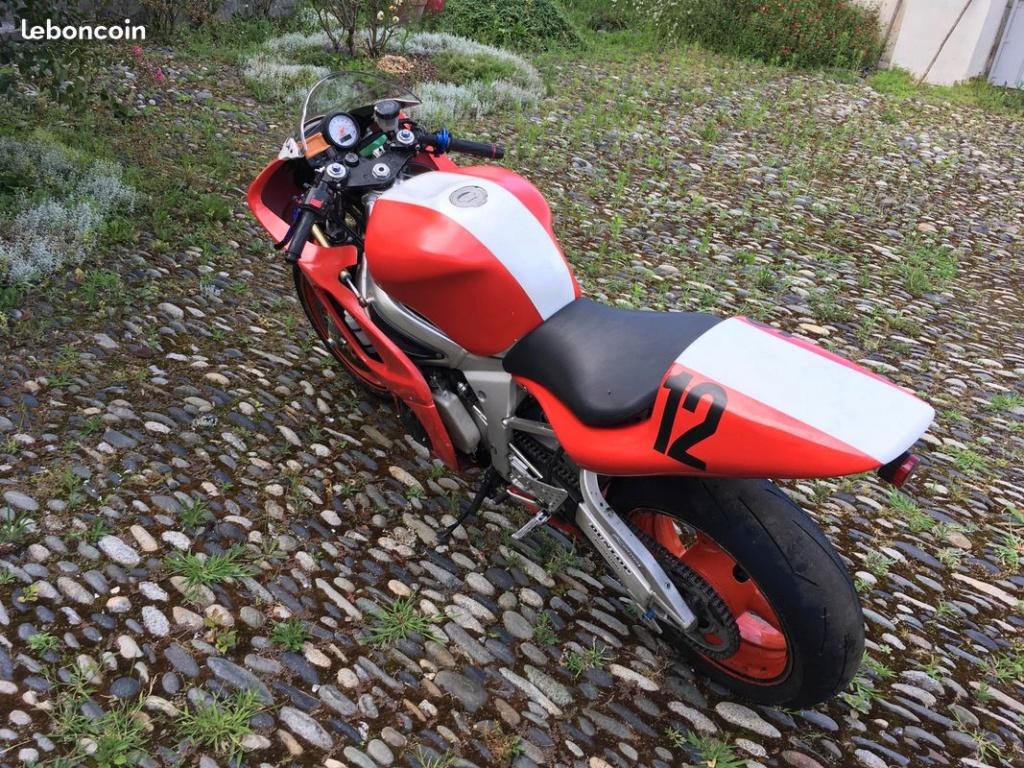 Yamaha yzf R6 2002 2800€ 45500kms R6-310