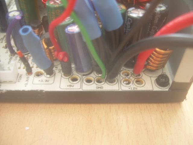 Modifier une alimentation de PC pour alimenter un chargeur en 12 V.  Dscn4926
