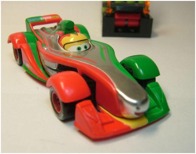 "[Cars 2] Clutchgoneski Métallique ""bizarre"" Rip_me11"