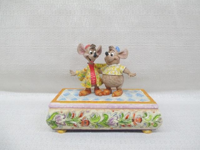 Disney Traditions by Jim Shore - Enesco (depuis 2006) - Page 36 Boite11