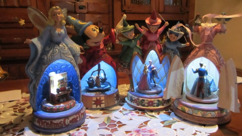 Disney Traditions by Jim Shore - Enesco (depuis 2006) - Page 21 Img_0820