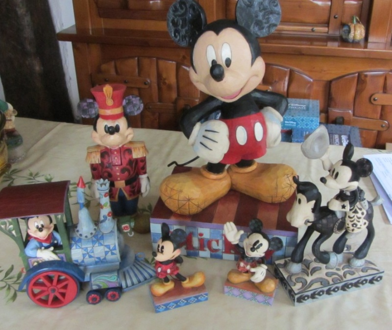 Disney Traditions by Jim Shore - Enesco (depuis 2006) - Page 21 Img_1013