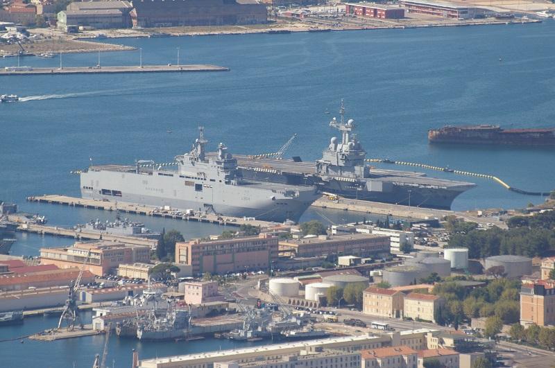 [LES PORTS MILITAIRES DE MÉTROPOLE] Mouvements de Bâtiments dans la rade de Toulon - Page 4 Imgp6710