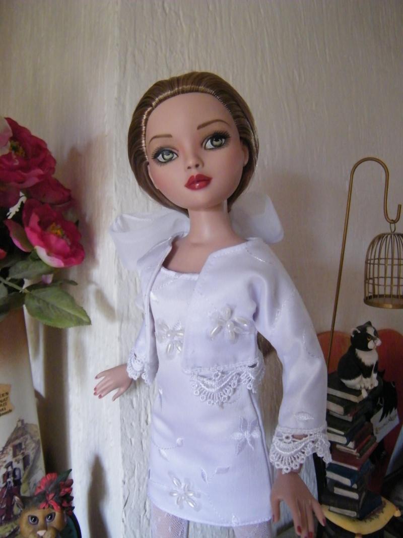 Mes poupées Ellowyne Wilde. De nouvelles photos postées régulièrement. - Page 2 My_ell11
