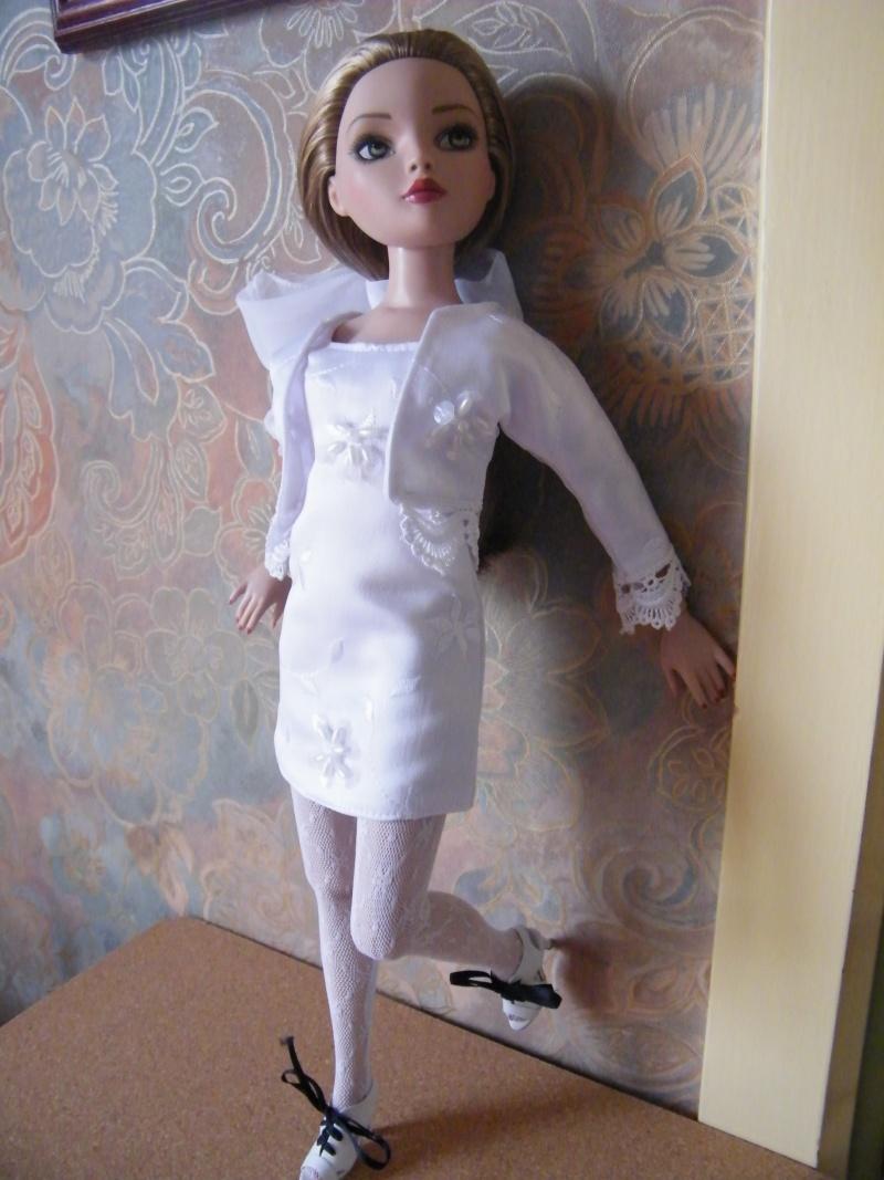 Mes poupées Ellowyne Wilde. De nouvelles photos postées régulièrement. - Page 2 My_ell12