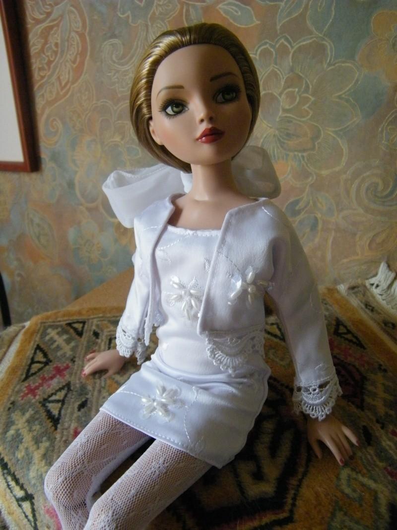 Mes poupées Ellowyne Wilde. De nouvelles photos postées régulièrement. - Page 2 My_ell14