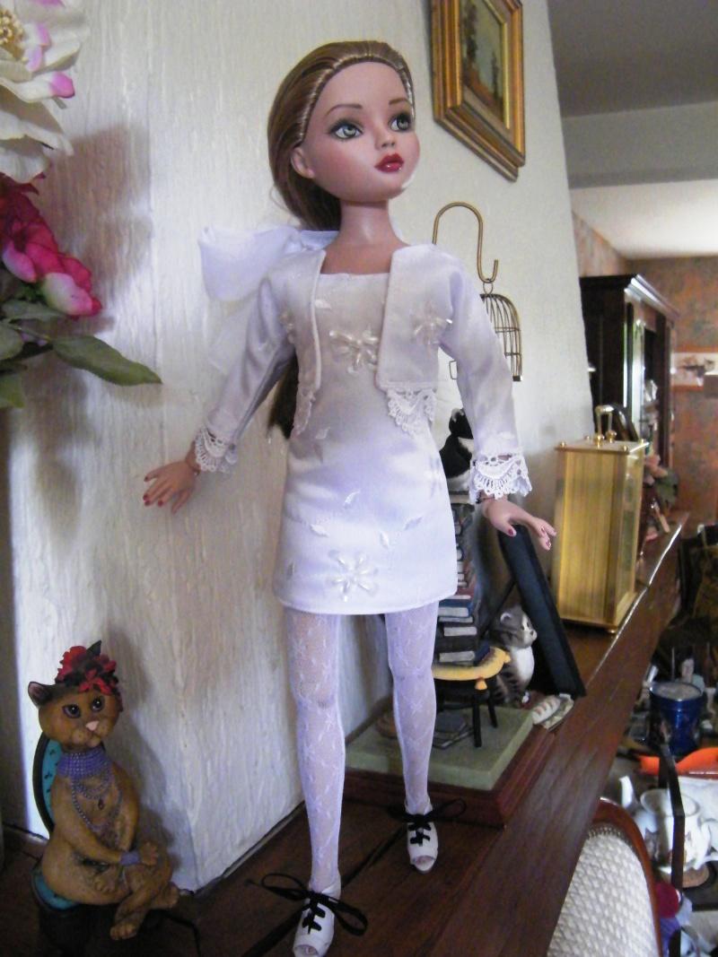 Mes poupées Ellowyne Wilde. De nouvelles photos postées régulièrement. - Page 2 My_ell15