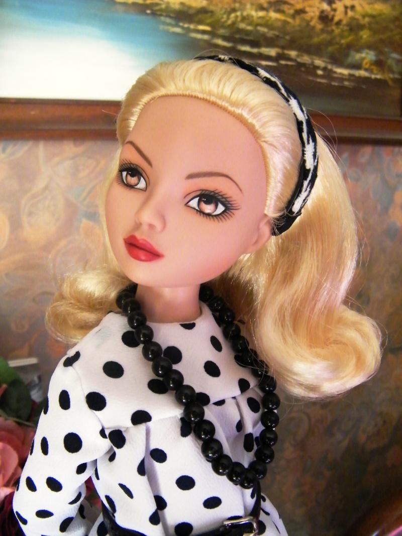 Mes poupées Ellowyne Wilde. De nouvelles photos postées régulièrement. - Page 2 My_fir10
