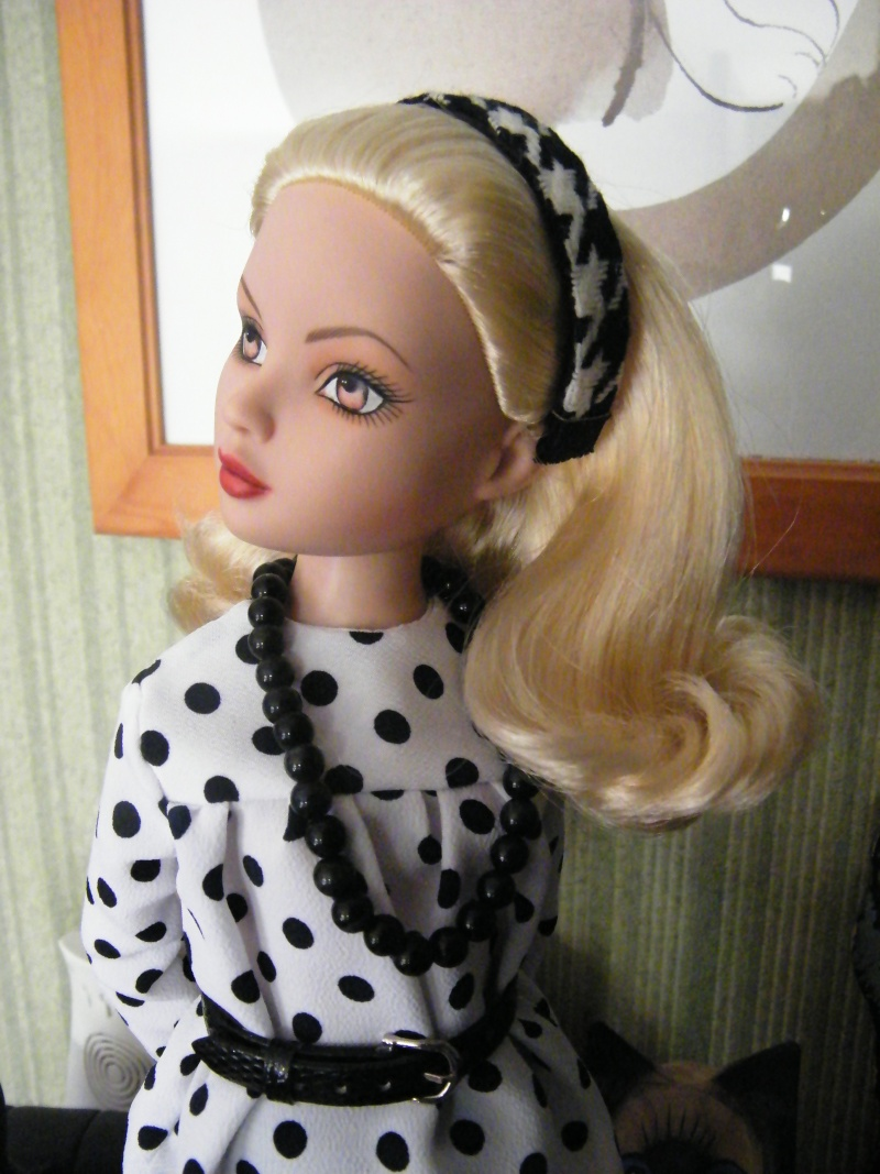 Mes poupées Ellowyne Wilde. De nouvelles photos postées régulièrement. - Page 2 My_fir11