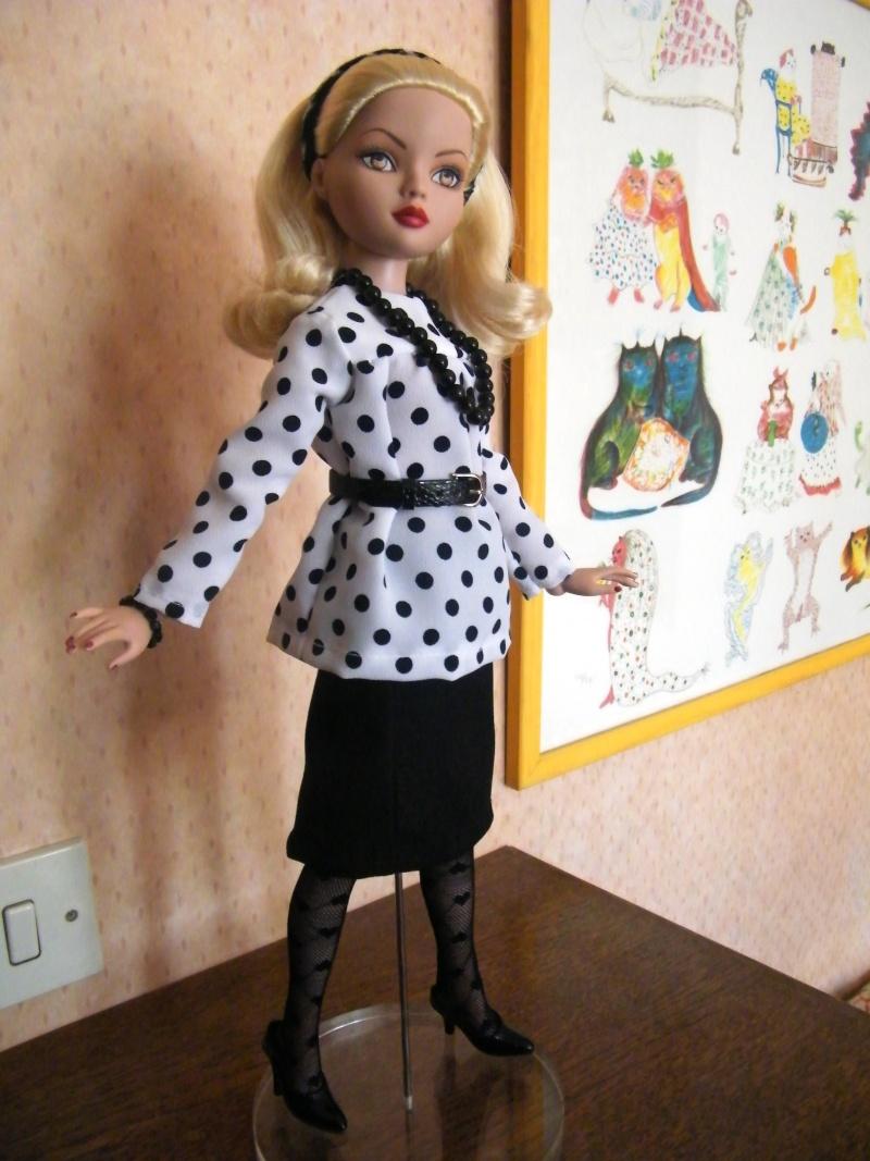 Mes poupées Ellowyne Wilde. De nouvelles photos postées régulièrement. - Page 2 My_fir12
