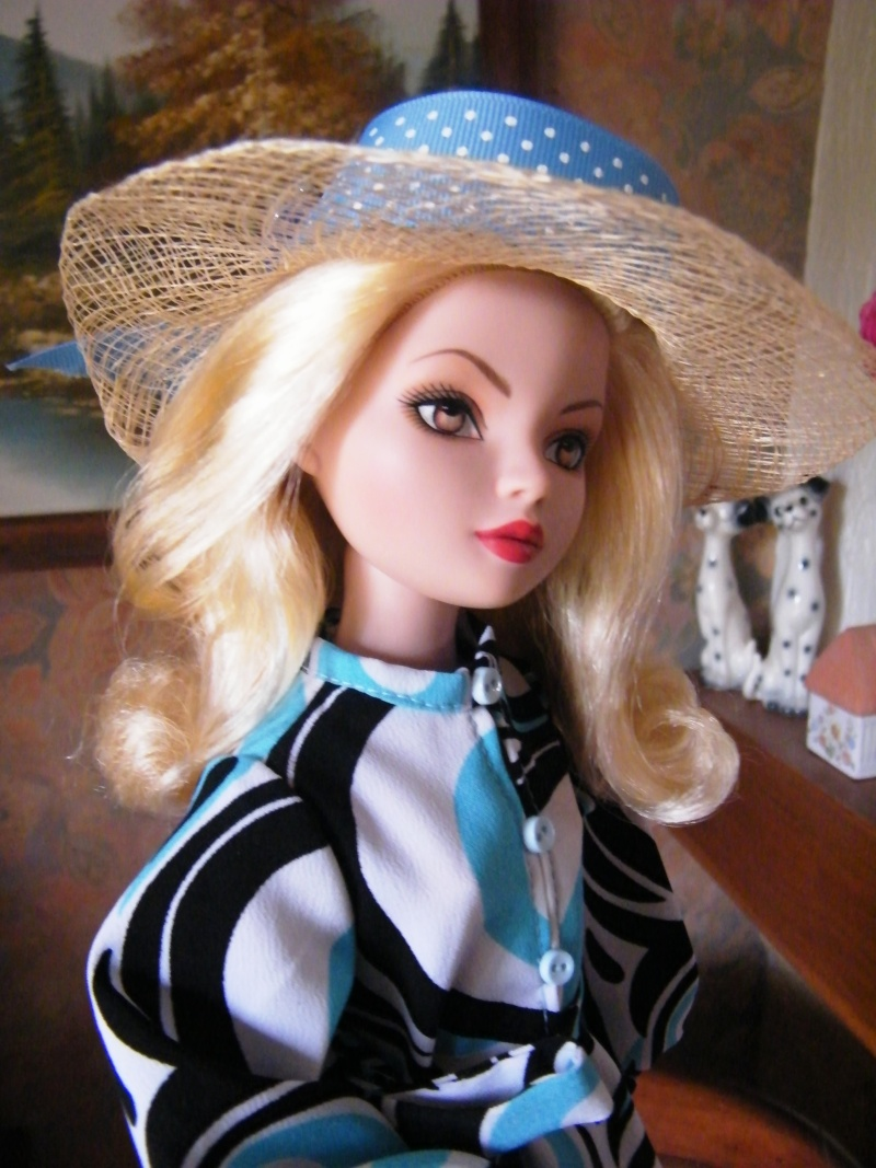 Mes poupées Ellowyne Wilde. De nouvelles photos postées régulièrement. - Page 2 My_fir20