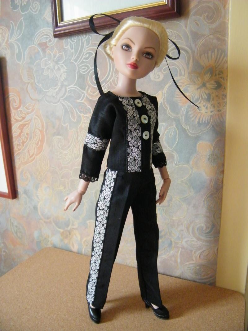 Mes poupées Ellowyne Wilde. De nouvelles photos postées régulièrement. - Page 2 My_fir21