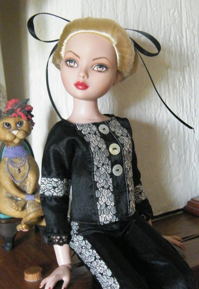 Mes poupées Ellowyne Wilde. De nouvelles photos postées régulièrement. - Page 2 My_fir27