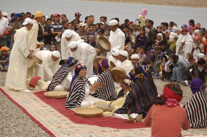 Pull  Femme - femme Amazigh berbere ma chérie  المرأة الامازيغية  Mimoun11