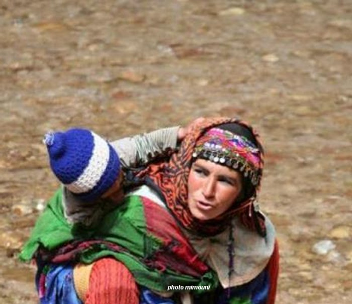 Pull  Femme - femme Amazigh berbere ma chérie  المرأة الامازيغية  Mimoun12