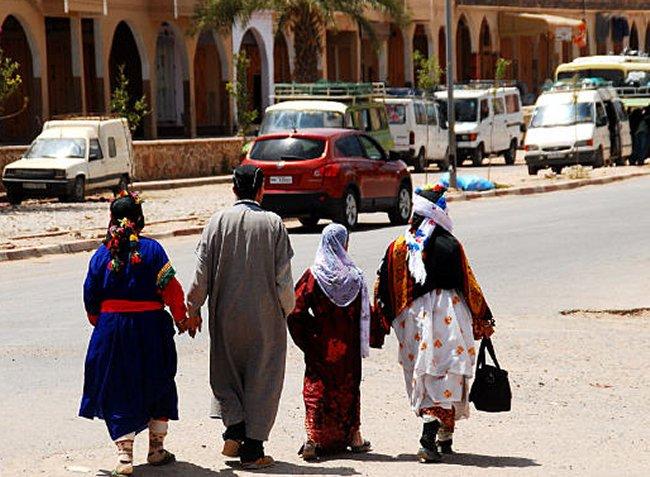 Pull  Femme - femme Amazigh berbere ma chérie  المرأة الامازيغية  Mimoun25