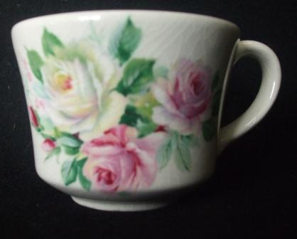 Teacup with pretty Roses ~ Old_ro10