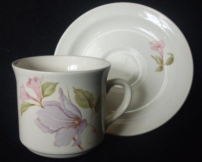 Vine flowers on Cup & Saucer ~ Pandor10