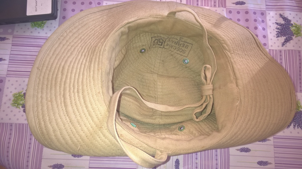 chapeau de brousse beige, insigne argent légion Wp_20312