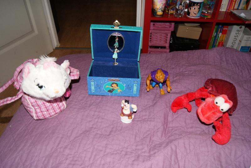 Nos trouvailles Disney dans les vide-greniers - Page 3 00811
